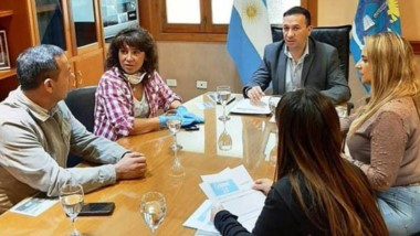 El intendente de Trelew recibió a la ministra Torres Otarola.