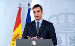 España mantiene la tendencia y reduce a 674 el número de muertos por coronavirus en las últimas 24 horas.