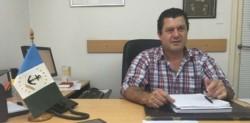 Gonzalo Calvo en un despacho de su anterior cargo en el municipio en Almirante Brown.