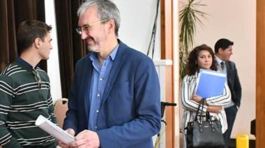 El ministro de Salud también salió a aclarar la situación del cargo de Otarola en el Hospital de Trevelin.