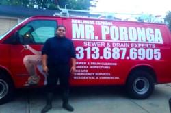 Federico dirige una empresa de desagotes que factura 1 millón de dólares anuales.