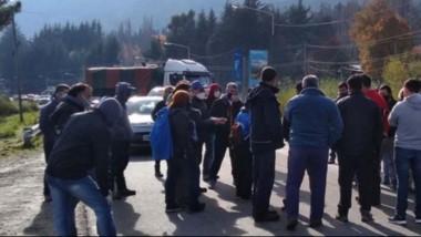 Manifestantes de distintos sectores volverán a pedir hoy la libre circulación dentro de la Comarca Andina