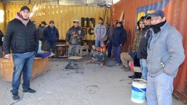 Los trabajadores toman medida de fuerza en empresa Vial-Tec.