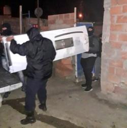 Los elementos robados fueron hallados en un asentamiento ilegal.