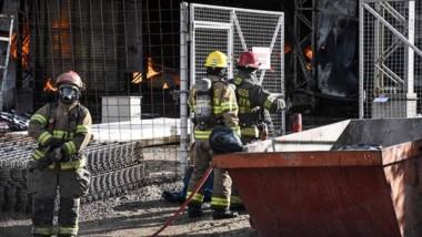 El incendio demandó un importante trabajo humano y en materiales.