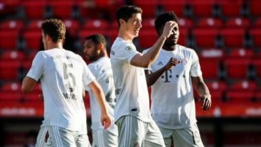 Con goles de Lewandowski y Pavard, el Bayern Munich derrotó 2-0 a Union Berlin como visitante.