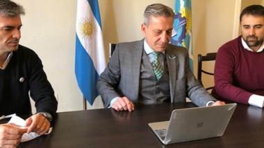 La videoconferencia con los sectores productivos encabezada ayer por el gobernador Mariano Arcioni.