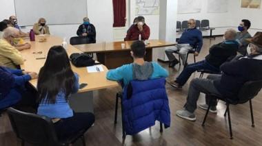 Un grupo de jubilados del petróleo mantuvieron una reunión con los concejales del Frente de Todos.