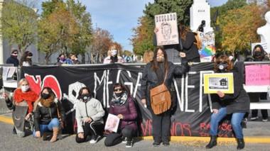 En la protesta participan diversos sectores públicos como empleados docentes, de salud y también jubilados.