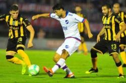 Uruguay prevé la vuelta del fútbol para la primera quincena de agosto.