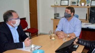 Beneficio. Arzani junto con Biss, intendente de la capital, que será beneficiada con la recaudación del FAP.