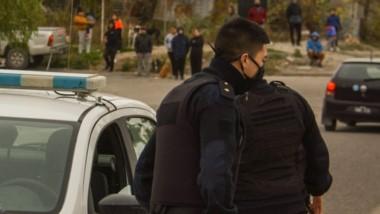 Efectivos policiales se encontraban apostados en el barrio Planta de Gas tras la agresión al individuo.