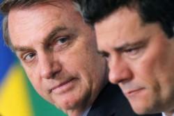 """Bolsonaro llama """"judas"""" a Moro y dice que """"nadie dará un golpe"""" en su contra."""