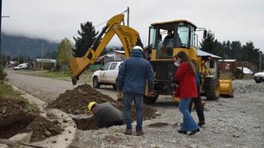 En obras. Más familias de Lago Puelo acceden al gas natural antes del invierno.