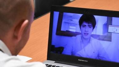 El software mejora la comunicación entre la Escuela y los estudiantes.