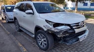 El accidente sucedió ayer cuando la camioneta se topó con un guanaco.