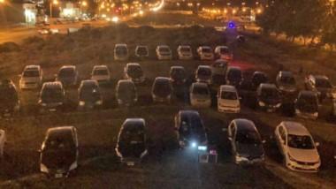 """Volvió el """"Cine en coche"""" en la localidad de Rada Tilly, con una gran participación de la comunidad."""