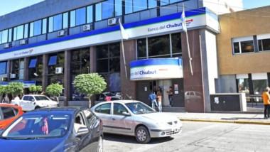 El Banco del Chubut suspendió los descuentos de préstamos por el pago de sueldos del tercer rango.