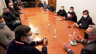 Cumbre. La cúpula del Gobierno recibió a las cámaras empresariales pesqueras por la crisis.