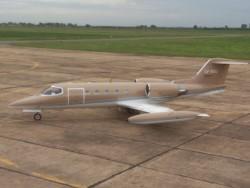 El avión siniestrado era un Learjet 35 Matrícula LV-BXU.