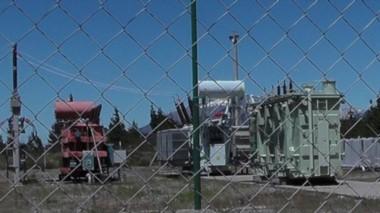 Sueño de los justos. Un transformador comprado por Río Negro sigue esperando su instalación en El Coihue.