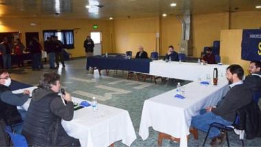La reunión entre los intendentes cordilleranos y el SOEME se hizo ayer.