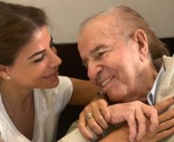 Carlos Menem evoluciona favorablemente: sus pulmones están bien y continúa sin respirador artificial.