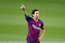 A falta de 10 fechas del final, Barcelona se mantiene arriba con 62 puntos, seguido muy de cerca por el Real Madrid (59).