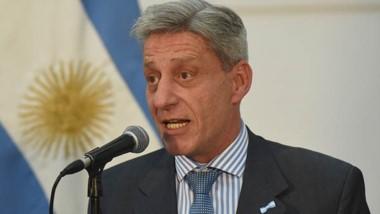 Arcioni ratificó que el aguinaldo se  pagarán en cuotas.