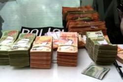 El hombre quedó a disposición de la Justicia y el dinero fue secuestrado.