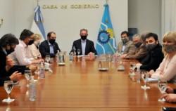 El gobernador de Chubut, Mariano Arcioni, encabezó ayer por la tarde una reunión con todos los senadores y diputados nacionales de Chubut