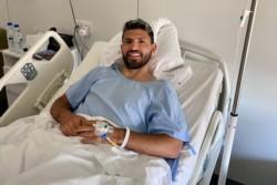 El Kun Agüero superó exitosamente la operación de meniscos a la que se sometió en Barcelona y compartió esta imagen en las redes sociales.