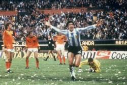 Con un Kempes formidable, hace 42 años, Argentina se consagraba por primera vez en su historia Campeón del Mundo.
