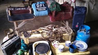 Robo. Los elementos que la Policía encontró y que habían sido sustraídos en un campo de Las Plumas.