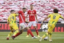 Benfica no pudo vencer en el estadio Da Luz a Tondela, pero el 0-0 le alcanzó para ser el nuevo líder de la Primeira Liga.