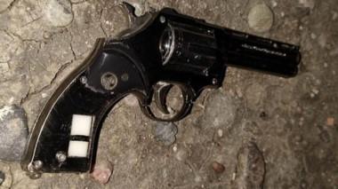 El arma de fuego de juguete fue utilizada por el asaltante de un taxista.