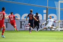 Alario fue titular y convirtió un gol. Exequiel Palacios integró el banco de suplentes sin sumar minutos.
