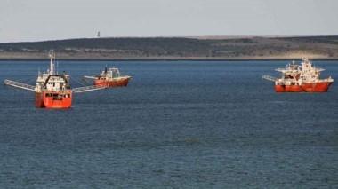 Continúan las negociaciones con las empresas para determinar cuándo inicia la temporada de pesca.