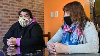 Claudia Marillán y Verónica Sáez, de organizaciones sociales, hablaron sobre la realidad en los barrios.