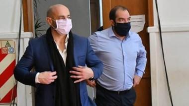 Complicado. El ministro Federico Massoni (izquierda) no atravesó sus mejores horas en Fontana 50.