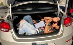 Las cámaras del country La Campiña registraron cómo una mujer ingresó personas escondidas en el baúl de su auto.