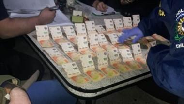 Entre los elementos incautados existieron 50 mil pesos en efectivo.