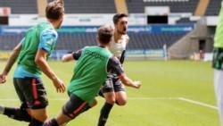 Leeds, por el gol de Pablo Hernández en una de las últimas del partido, venció como visitante 1-0 al Swansea.