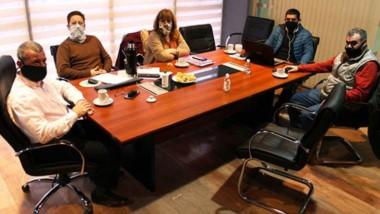 La presentación del documento fue realizada por el interventor de la Compañía de Riego, Esteban Parra.