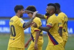 Barcelona cerró la Liga con una goleada a domicilio a Alavés por 5-0. Ansu Fati, Messi por duplicado, Suárez y Semedo firmaron el triunfo catalán.