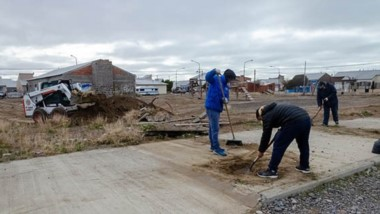 Se realizan trabajos de mantenimiento, erradicación de mini basurales y limpieza de espacios públicos.