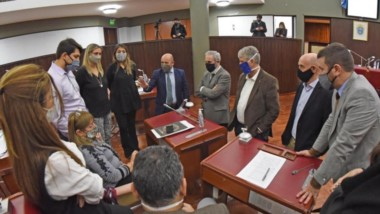 El presidente de la Cámara, Ricardo Sastre, con los diputados luego de que se interrumpiera la sesión programada para el día de ayer.
