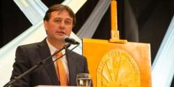 El intendente Luis Juncos participó de un acto virtual junto a concejales, diputados y Mariano Arcioni.