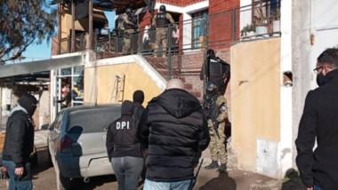 Los efectivos policiales acudieron a la vivienda de la mujer amenazada.