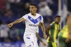 Ricky Centurión firmó contrato con Vélez  por los próximos 3 años.